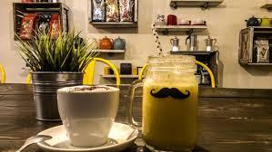 moustache café